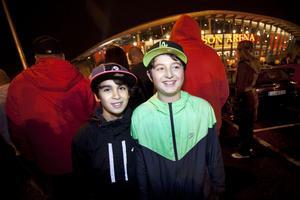 Roni Batti och Serdan Aslan, 12, båda från Sandviken, var övertygade om att det skulle bli en bra show.