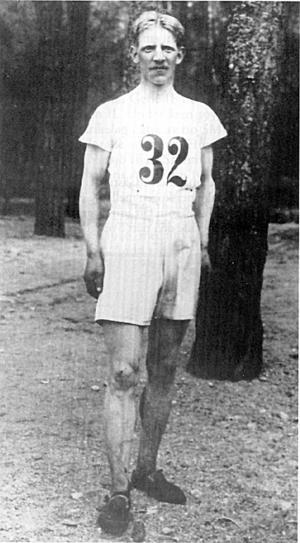 Guldolympiern. Josef Ternström tog OS-guld i lagtävlingen i terränglöpning 1912 i Stockholm.