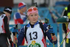 Sofia Myhr imponerade stort. 18–åringen från Bruksvalla slog bland annat världscuprutinerade åkare som Elin Mattsson och Elisabeth Högberg.