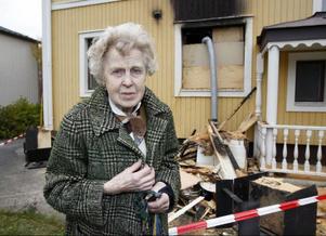 – Det känns konstigt att behöva bli drabbad så här, säger Signe Olofsson, som både blivit rånad och drabbad av brand inom kort tid