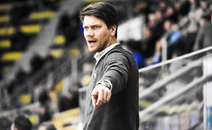 Thomas Paananen, tränare för VIK Hockey ser framemot fredagens drabbning med Köping.