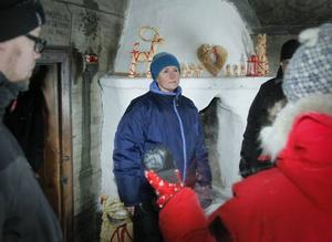 Tv-teamet gjorde även ett besök på Jamtli julmarknad. Här är det Anna-Lena Ståhl som pratar med reportern.