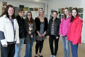 Vi kommer att fortsätta fotografera. Emma Persson, Kim Fredlund, Maja Westh, Britta Unosson, Alice Nordlund, Camilla Jonsson och Jessica Jonsson är sju av de elever från Voxnadalens gymnasium som nu ställer ut sina bilder i Centrumhuset i Edsbyn.