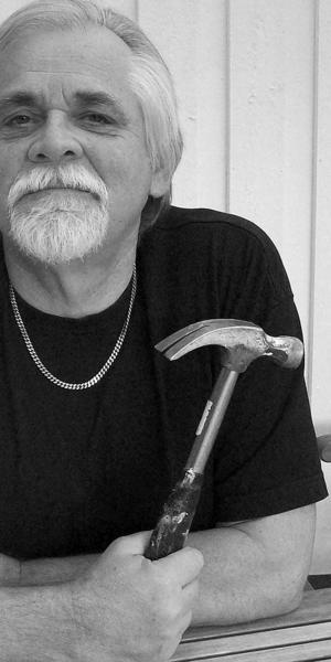 Bernt-Olovs verktygsbod. En artikelserie där Sandvikenförfattaren Bernt Olov Andersson botaniserar bland praktiska redskap i litteraturen.
