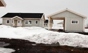 De tre nybyggda villorna i Oviken är fortfarande till salu.Foto: Sandra Högman