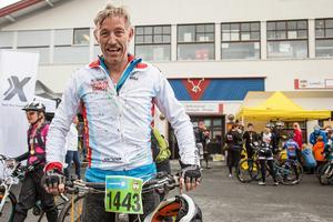 – Jag tycker att det är skönt att komma i mål säger Christian Hermelin. Han cyklade 40 kilometer och tyckte att det gick lätt till Bruksvallarna. Men när det gick mera och mera uppför tappade han sugen.