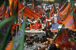 Narendra Modi, under en engagerad valrörelse på Indiens gator.