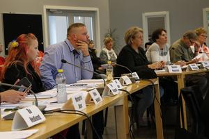Ledamöterna i kommunfullmäktige är inte röstboskap som alltid måste rösta som sina partikamrater. Bilden är från ett möte med Hällefors kommunfullmäktige 2017.