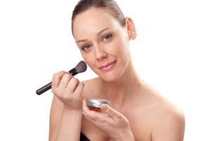 Mineral foundation är snäll mot huden. Vissa av märkena innehåller dessutom solskyddsfaktor.