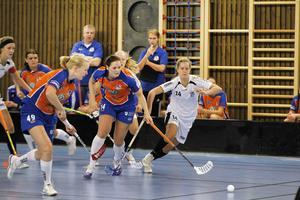 Johanna Persson visade vägen med två mål i premiärmatchen.