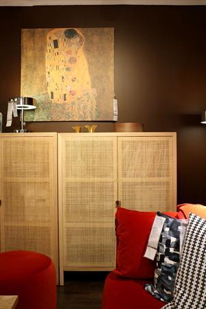 Struktur på möbler och textilier kommer stort, enligt Anna Bjelke.