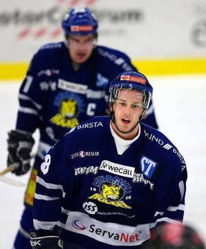 Niklas Granberg blev Sundsvall Hockeys matchvinnare när han liggandes slog in 4–3 i mitten av tredje perioden och fullbordade Sundsvalls vändning.