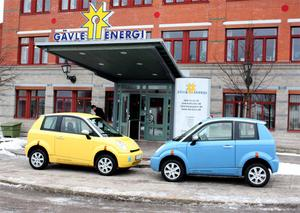 En gul och en blå är de första svenskgodkända exemplaren av norska elbilen Think inköpta av Gävle Energi. Om planerna går i lås leasas de av hovstallet och hamnar i så fall hos drottningen och kungen.