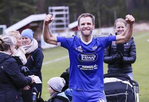 En brytningstid för Erik Wästman. Efter det lyckade kvalet säger Rengsjös torped tack och hej till fotbollen på högre nivå. Nu är det dags för familjen att kliva fram och ta mer plats.
