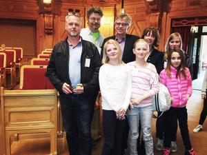 Personal och elever från Rossön och Edsele besökte under onsdagen riksdagen.
