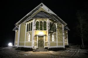 Träkyrkan i Gåxsjö sprider värme och kultur.