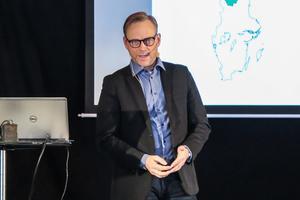 Olle Schubert från Persåsen var mötets moderator. Han jobbar med regionfrågor på uppdrag av Region Halland.