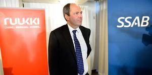 SSAB:s vd och koncernchef Martin Lindqvist presenterar att de köpt finska stålkoncernen Rautaruukki under en pressträff i Stockholm.