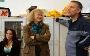Bojan Krogh och Bert-Ola Pettersson, lärare på Kreativt lärande, berättar om hur deltagarnas självförtroende växer på kursen. Foto: Eva Högkvist