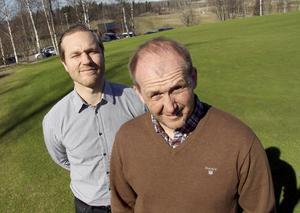 Jens Bergenström och Tony Mullborn delar från och med i vår på marknadssidan inom Dalsjö golfklubb.