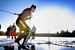 Med ett rejält hopp ut i det kalla vattnet fixade Johan Sjödin badet.