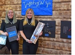Tjugofyra/sju Jewelry UF från Rättvik fick utmärkelsen Årets Hantverk vilket innebär en biljett till UF-SM.