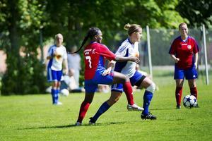 Närkamp. Sturehovs nya damlag är ett föredöme, skriver Sara Richert. De har skapat ett lag där spelarna deltar på så många träningar de vill och alla får spela match oavsett nivå.Arkivfoto: Aline Lessner