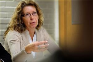 Lena Reyier håller med om att läget för Centerpartiet är allvarligt.