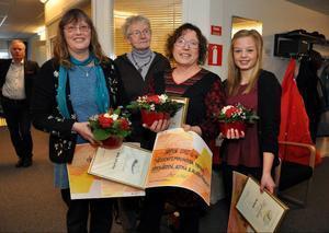 Pristagarna från vänster: Marika Wahl-Lindberg, kultur, Ulla Gärdin och Eva Björklund, som fick dela tillgänglighetspriset, och Linn Kvarme, ungdomsledarstipendiat.