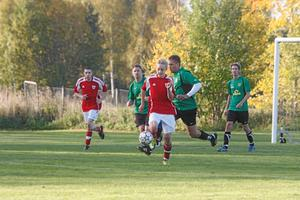 Andreas Westerlund var en av de bättre i Ransta IK i derbyt mot Möklinta IF. Foto: Niclas Bergwall