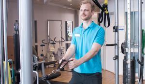 Fysioterapeuten Måns Sjögreen är involverad ganska mycket i idrotten i Västerås och jobbar med handbollslagen, hockeylaget i stan och  samarbetar med Widénska.