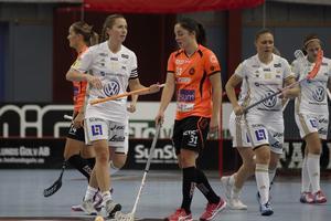 Linnéa Nilsson deppar efter ett av IKSU:s 14 (!) mål.