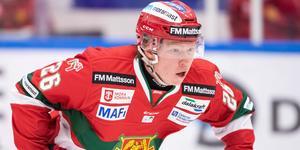 Anton Schagerberg lyfts upp i a-laget. Bild: Daniel Eriksson/Bildbyrån.