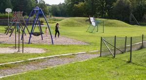 Närheten till naturen, som ger en trygg och lugnande miljö lyfts fram som en fördel. Förskolan har också miljöcertifieringen Grön flagg och en miljöprofil diskuteras som en möjlig väg för att driva skolan själva.