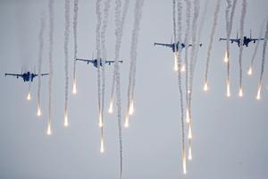 Ryska militärplan under tidigare övningar. Foto: AP Photo/Sergei Grits