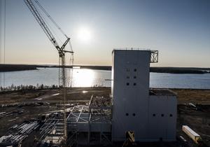 Vägen till klimatneutralitet tar många former. I Luleå bygger SSAB (tillsammans med LKAB och Vattenfall) en anläggning för att göra ståltillverkningen koldioxidfri. Projektet kallas Hybrit – hydrogen breakthrough ironmaking technology. Foto: Magnus Hjalmarson Neideman/TT