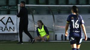 Ida Forsberg i SDFF byttes ut i halvtid.