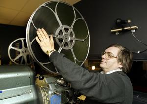 Biografföreståndaren Anders Eriksson är en av Elektras profiler som skötte filmvisningarna på Bryggargården redan på 1990-talet. Foto: Per G Norén