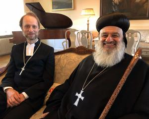 Ignatius Aphrem II tillsammans med biskop Mikael Mogren.