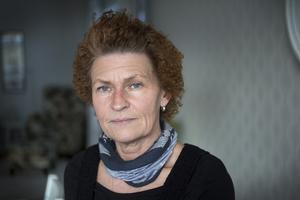Magnus fru Annsofi vill att dottern Ebba ska ha en så fungerande vardag som det bara går, trots att pappa ligger svårt skadad på sjukhus.