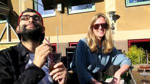 Bawar Ismail och Maria Carlsson blev mest imponerade av Elsas Coffeeshops uteservering som fick nästan full poäng av samtliga i panelen.