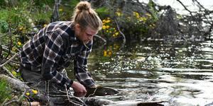 Malte Sjödin på Enan flyfishing guidar i Enan i sommar. Foto: Privat