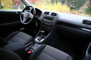 Interiören har fått sig ett rejält lyft i nya VW Golf Variant. Det behövdes.