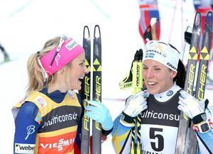 Bild: TTTherese Johaug och Charlotte Kalla.