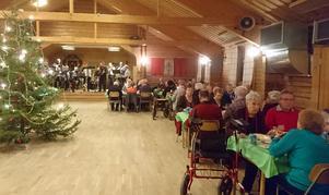130 personer deltog i SPF Orsas lika välsmakande som uppskattade julfest.  Foto: Karin Olmås-Hållén