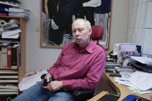 Miljöchefen Göran Eriksson befarar att det kan dröja dagar eller till och med veckor innan man kan blåsa faran över i Saxdalen.