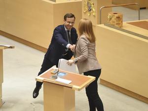 Annie Lööf och Centerpartiet gör rätt i att söka en bred och pragmatisk uppgörelse med Ulf Kristersson och Moderaterna kring migrationspolitiken. Foto: Fredrik Sandberg / TT.