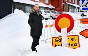 Avstängningen av Nygatan har gjort att Anne-Charlotte Åström menar att hon har tappat kunder och intäkter till sitt hudvårdsföretag.