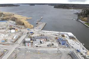Sjöfartsverket vill  släcka ner alla fyrar och lysbojar längs med Norrtäljeviken. En nedklassning av farleden kommer att minska säkerheten i en, sommartid, starkt trafikerad farled, skriver Ann Lewerentz.