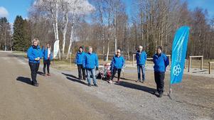 Styrelsen på plats vid Höglandssjön, Vi håller avstånd! Foto: Emma Grundström